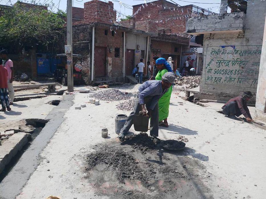 24 अप्रैल, 2018 लखनऊ, उत्तर प्रदेश     कुंवर ज्योति प्रसाद वार्ड के पार्षद शिवपाल सावरिया के तत्वाधा