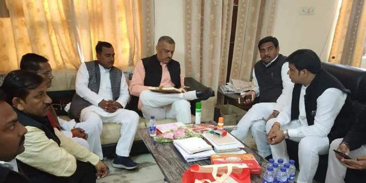 बिल्हौर विधानसभा (209 सु) कानपुर नगर से समाजवादी पार्टी के नेता श्री रामलखन गौतम जी ने आर्यनगर, कानप