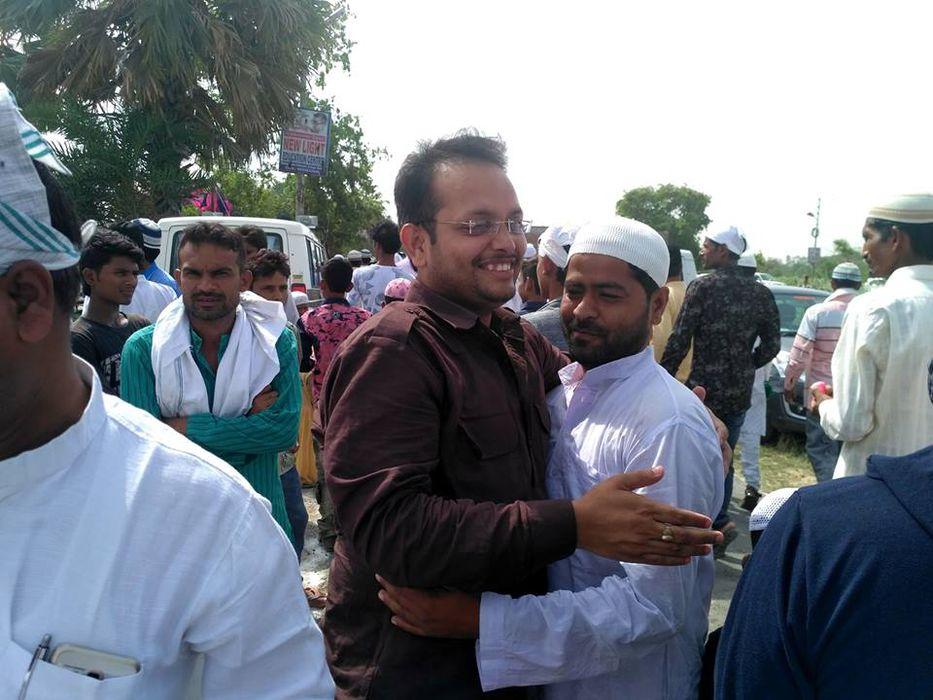 संस्कार और संस्कृति की शान मिले ऐसे,हिन्दू मुस्लिम और हिंदुस्तान मिले ऐसे,मिलजुल कर रहे हम सब कुछ ऐस
