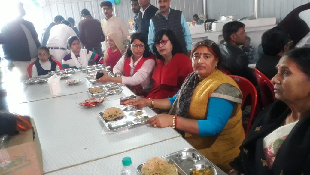 आम जन को सुलभ दर पर अच्छा भोजन उपलब्ध कराने के मंतव्य से नगर पंचायत अकबरपुर, कानपुर देहात के द्वारा