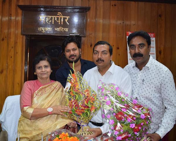 मुकेश सिंह मोंटी – लखनऊ की प्रथम महिला महापौर संयुक्ता भाटिया को दी गयी जन्मदिवस की बधाई-लखनऊ की प्र