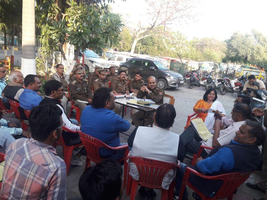 वीना रावत - होली पर सुरक्षा व्यवस्था को लेकर थाना आशियाना में बैठक का आयोजन-रंगों के उत्सव होली में