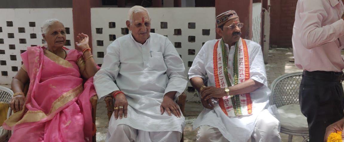 पंडित रामजी त्रिपाठी - दिव्यांग गौधाम के मध्य मनाया पूर्व सांसद श्री श्याम बिहारी मिश्रा जी का जन्मद