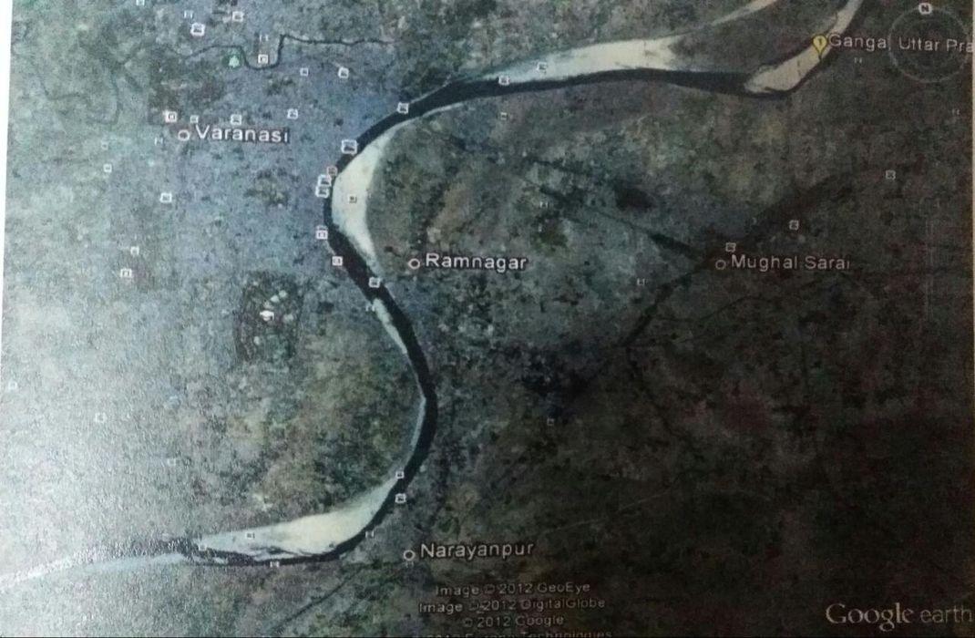 नदी की वक्रारिता, नदी का साँप जैसे टेढ़ा-मेढ़ा होकर चलना है, जैसे दो मानव के स्वरूप, चाल-चलन, रक्त-गुण