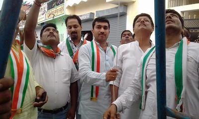 """दिनांक : 15 अगस्त, 2018 कानपुर, उत्तर प्रदेश """"अधिकार मिलते नहीं लिए जाते हैं, आजाद हैं मगर फिर भी ग"""