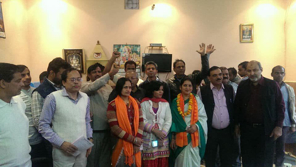 'सुभाषवादी भारतीय समाजवादी पार्टी' सुभाष युवा मोर्चा का एक राजनीतिक मोर्चा है. 'सुभाष युवा मोर्चा' न